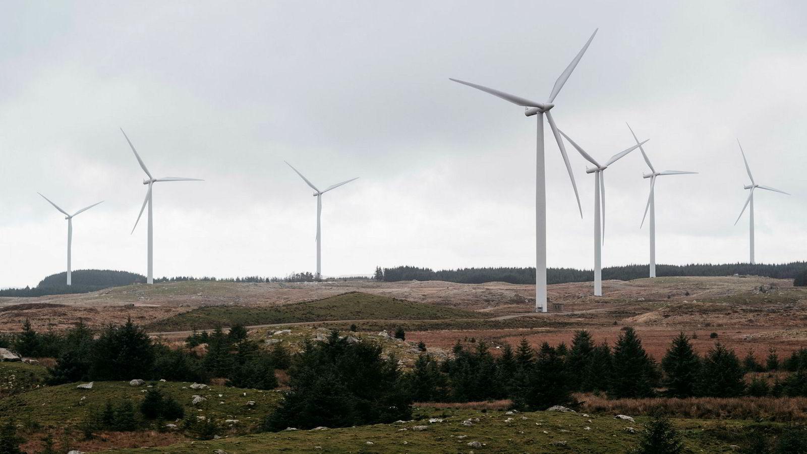 Norsk vindkraft bidrar også til å kutte utslipp av klimagasser, men sammenhengen er ikke rett frem, skriver artikkelforfatteren. Her fra Høg-Jæren energipark.