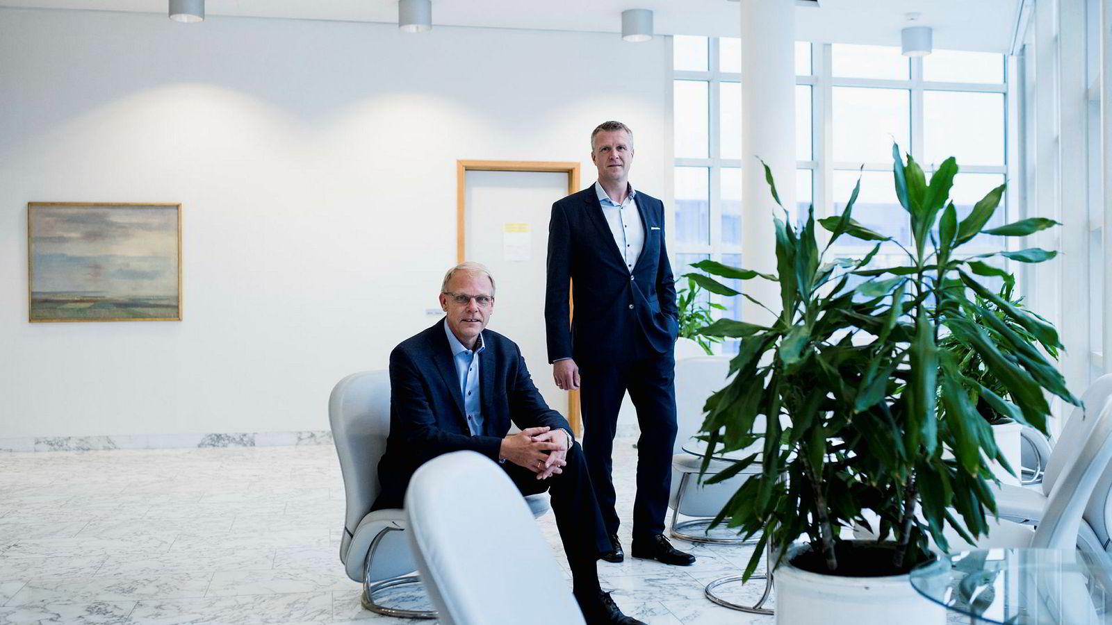 Morten Mauritzen, til venstre, er administrerende direktør i Point Resources fra og med i dag, mens Jan Harald Solstad, til høyre, går tilbake til partnerstillingen sin i HitecVision.