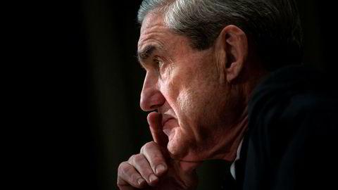 Demokratene advarer mot å stanse eller begrense Robert Muellers pågående etterforskning.