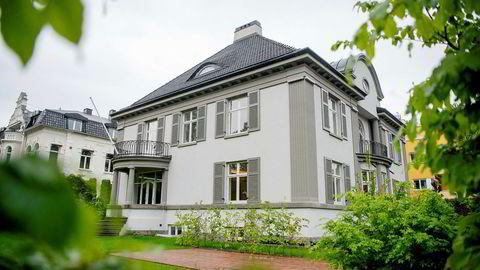 Denne byvillaen på Frogner i Oslo er den dyreste boligen til salgs akkurat nå. Prisantydningen på finn.no er 100 000 000 kr.