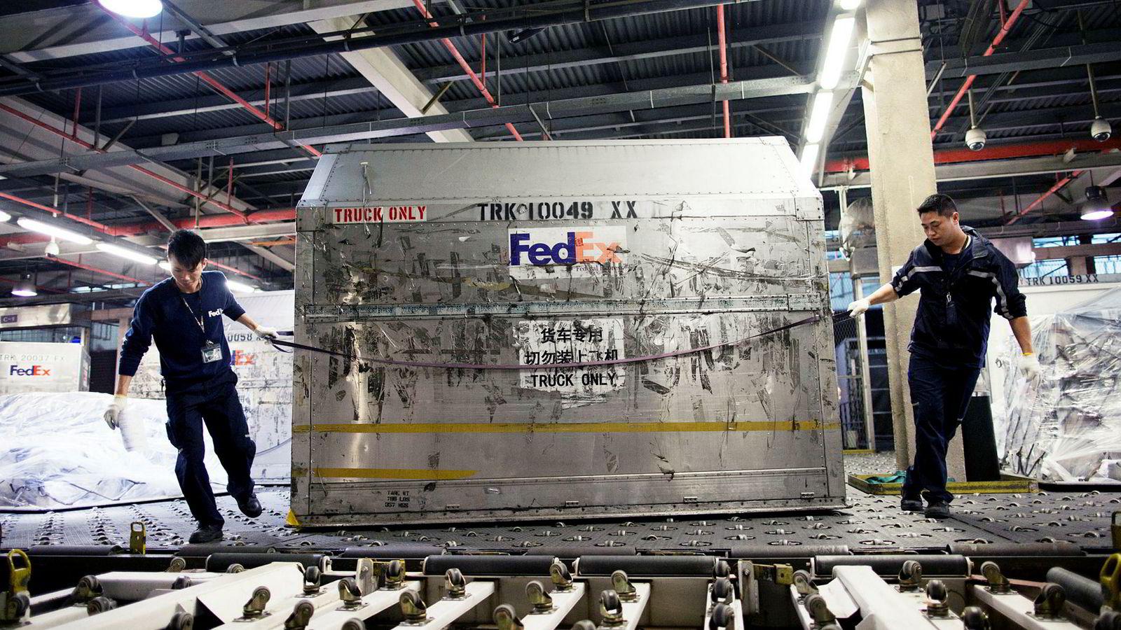 Kina er i ferd med å etablere en oversikt over utenlandske selskaper som de mener «skader landets interesser». Det amerikanske fraktselskapet FedEx har havnet i skuddlinjen i handelskrigen mellom USA og Kina.