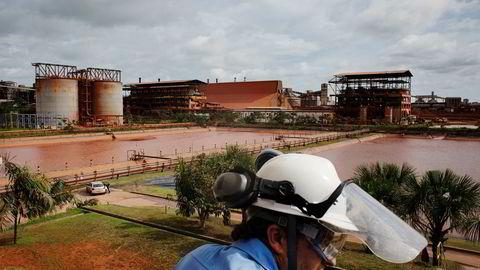 For Hydros store aluminiumsanlegg i Brasil er nå årets tørreste måneder snart forbi. I desember hvert år begynner regntiden. Det kan bety trøbbel for Hydro, som på snart tiende måned jobber for å overbevise brasilianske myndigheter om at gigantanlegget Alunorte kan håndtere store nedbørsmengder.
