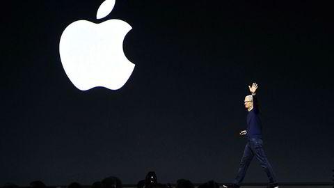 Apple-konsernsjef Tim Cook opplevde at Iphone-inntektene falt med 15 prosent i fjerde kvartal av 2018. Men Apple Music opplever vekst.