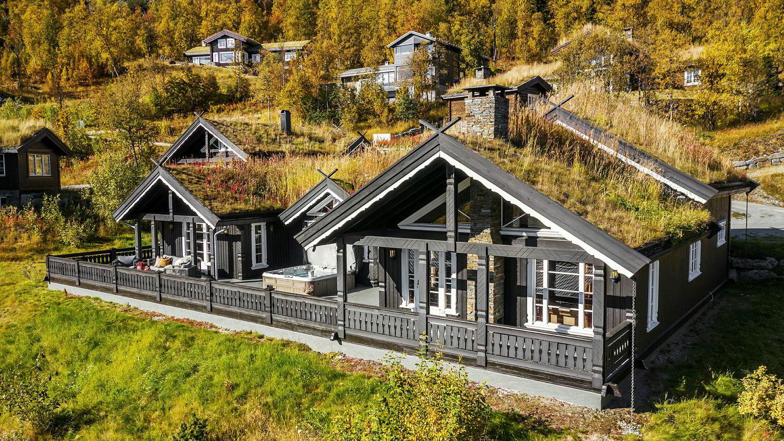 Hemsedal er kommunen med de høyeste fjellhytteprisene. Denne hytta til 12,5 millioner kroner var den dyreste som det var visning på i helgen.