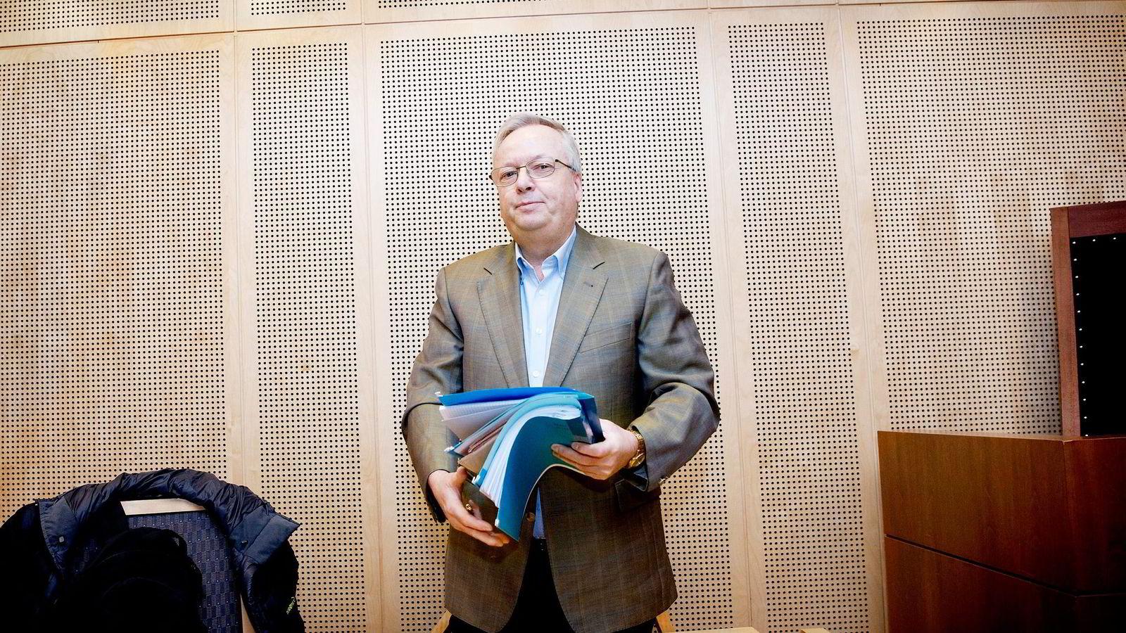 Retten mener det ikke er noen sammenheng mellom Ove C. Gjesdals tap og artikkelen i DN, siden han satt i varetekt da artikkelen sto på trykk.