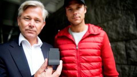 Nicolai Prydz og broren Rallysjåfør Andreas Mikkelsen viste den datadrevne trafikksikkerhetstjenesten Hipdrive til Telenor, som signerte konfidensialitetsavtale med gründerne. Ett år senere lanserte Telenor det gründerne mener er en kliss lik tjeneste - uten dem. Foto: Mikaela Berg