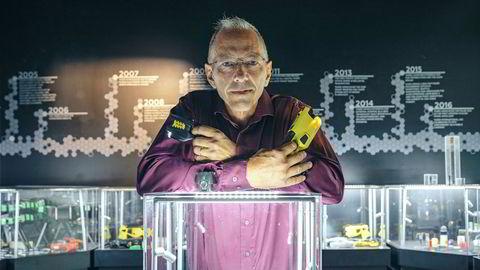 Norske Magne Nerheim er hjernen bak sjokkvåpenet som revolusjonerer politiet
