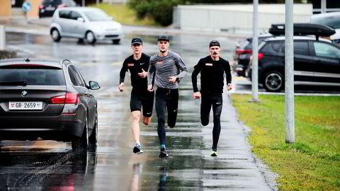 Unikt forskningsmateriale: De tre brødrene er alle blitt europamestere og er å regne med når VM i friidrett arrangeres i Doha. Her forbereder fra venstre Jakob, Filip og Henrik Ingebrigtsen seg med høydetrening i St. Moritz.