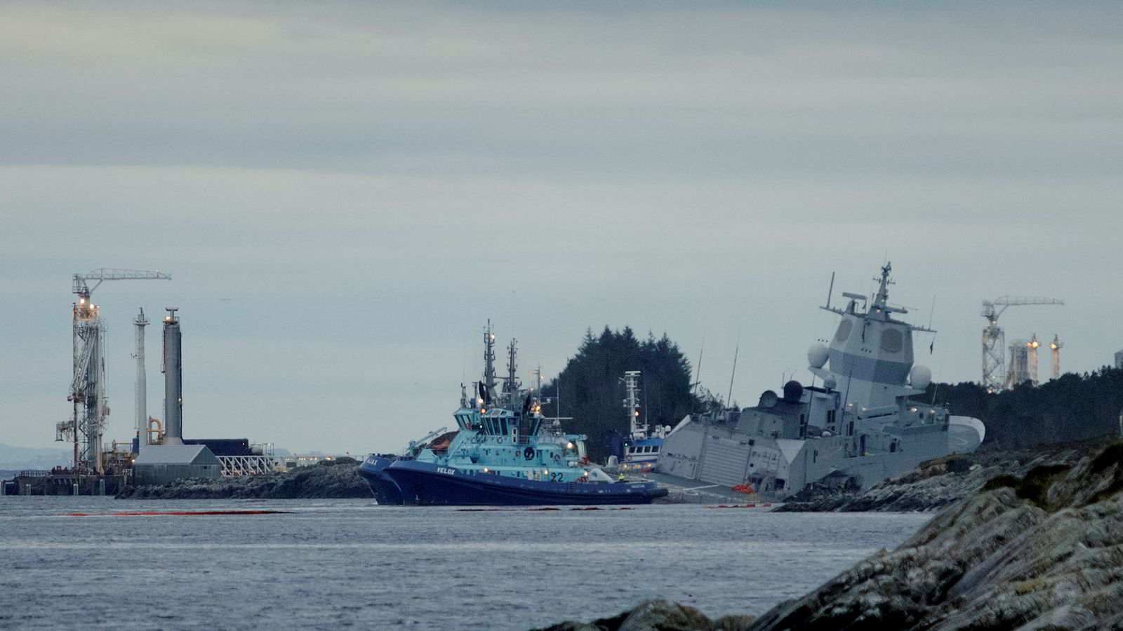 Fregatten KNM «Helge Ingstad» kolliderte med et tankskip ved Stureterminalen natt til torsdag.