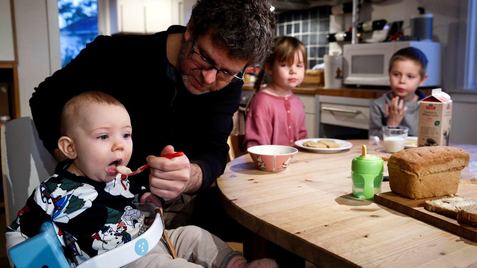 Norske fedre støtter opp om fedrekvoten – den har vist seg sterkt normdannende. At fedrekvoten har betydning bør det rett og slett være svært liten tvil om, skriver artikkelforfatterne.