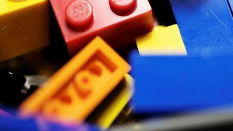 Lego vil finne et nytt og mindre miljøfiendtlig alternativ til plasten i legoklossene.