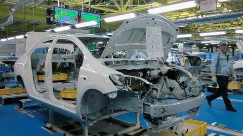 Toyota og mange andre storselskaper i Japan har økt overskuddene, men er likevel forsiktige med pengebruken. Bildet er fra Toyotas fabrikk i Ohira. Foto: Kyodo/Reuters/NTB scanpix