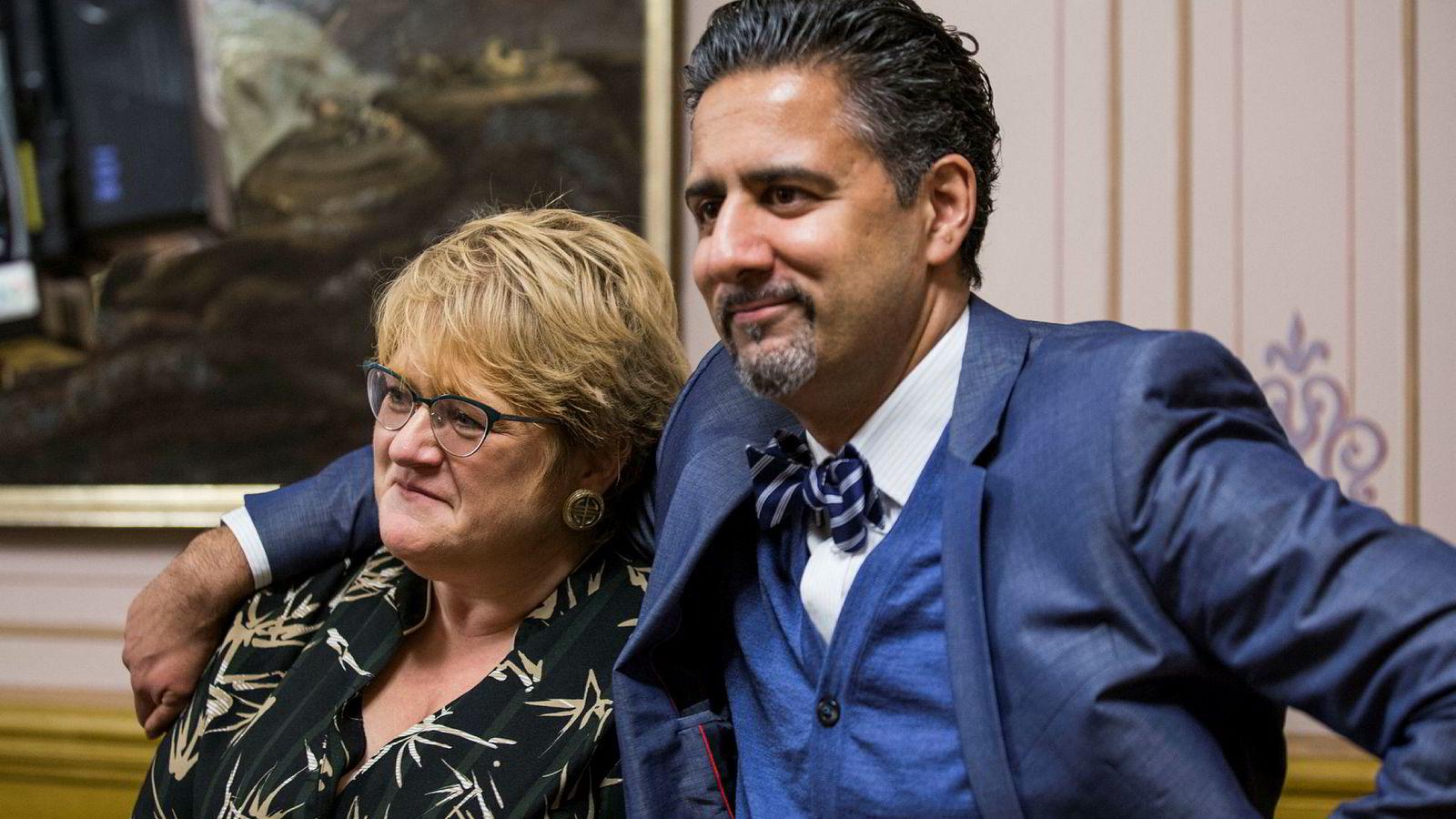 Venstre-leder Trine Skei Grande kom med sterkt nedsettende karakteristikker av Venstres finanspolitiske talsperson Abid Raja i en samtale kolleger fra andre partier hørte på. Bildet er tatt i forbindelse med fjorårets budsjettavtale.