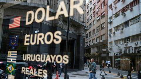 Argentinas regjering innfører valutakontroll ut året.