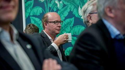 - Å vente på den fjerde energipakken kan bli lange og magre år for norsk, eksportrettet næringsliv, advarer Vesntre-politikeren Ketil Kjenseth som er leder av Stortingets energi- og miljøkomité.