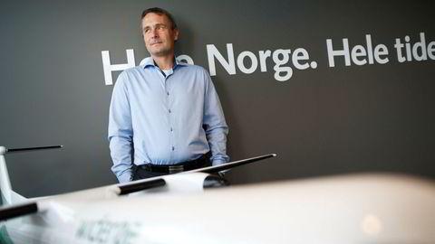 Widerøe-sjef Stein Nilsen åpner for langvarig priskamp med nykommeren Flyviking i Nord-Norge, som startet opp mandag. Han regner med at det gir flere lavprisbilletter. Foto: Ida von Hanno Bast