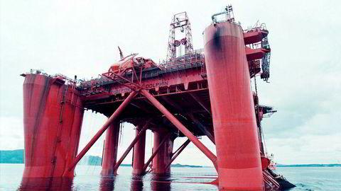 I sin morgenrapport torsdag advarte Nordea Markets om at riggselskapet Fred. Olsen Energy ville «bukke under». Her er riggen «Bideford Dolphin».