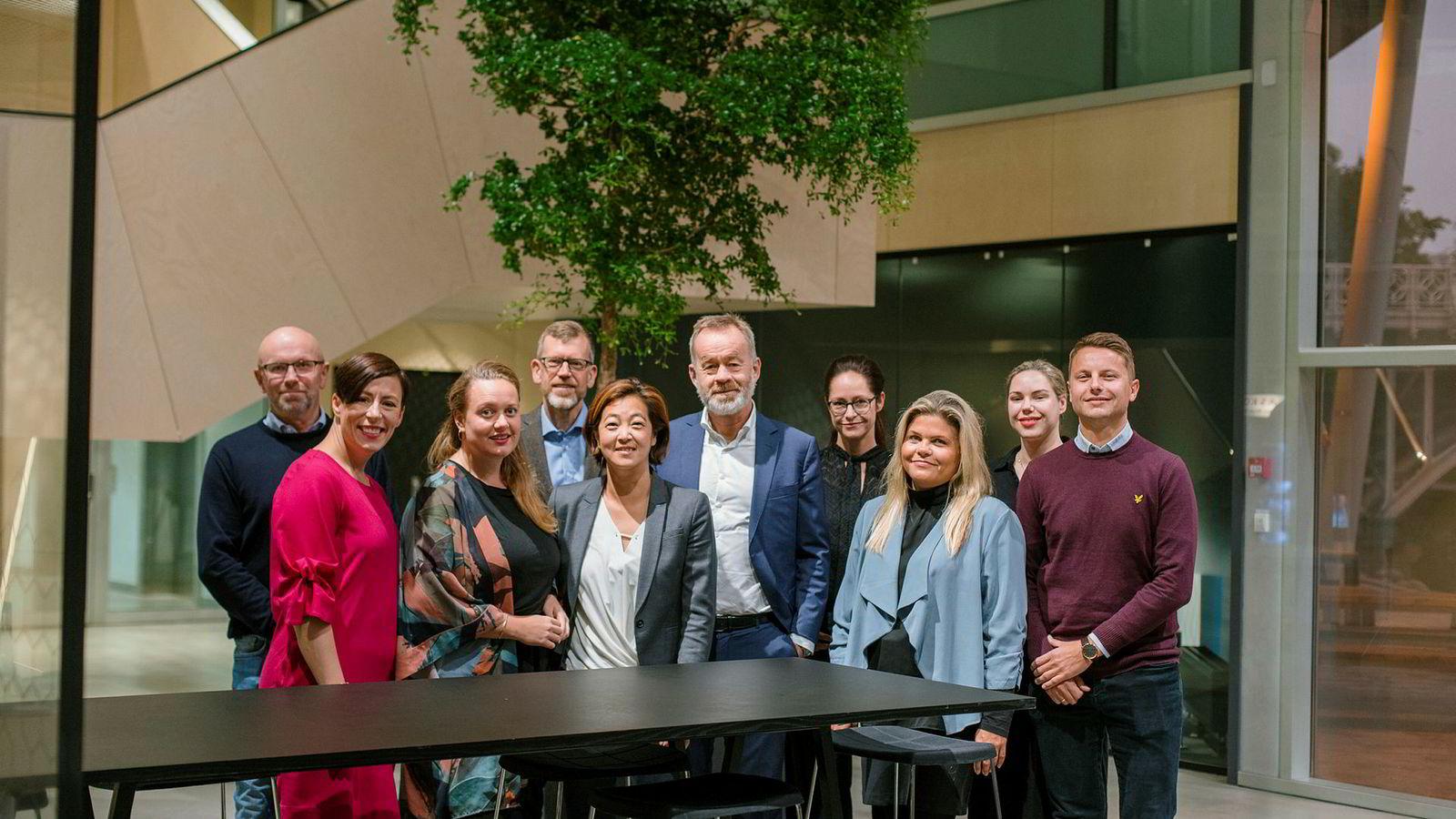 Fra venstre: Bjarne D. Erichsen, Ingeborg Volan, Julie Lundgren, Kjetil B. Alstadheim, Hege Kosberg, Amund Djuve, Janne Johannessen, Tinna Gudmundsdottir, Live F. Thorsen, Fredrik Loennecken.