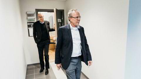 Tidligere finansdirektør i TGS Arne Helland (til høyre) sammen med tidligere Skeie Energy-sjef Christian Albrecht Selmer.