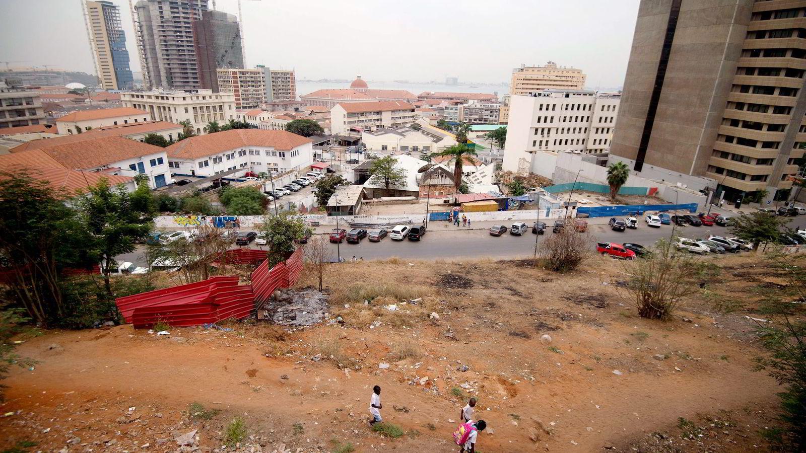 Angola er ett av verdens mest korrupte land. Statoil etterspurte ingen informasjon før det overførte flere hundre millioner kroner. Dette er fra hovedstaden i Luanda. Foto: Alain Jocard, AFP/NTB Scanpix