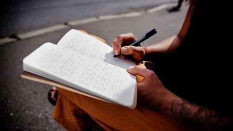 Universitas har intervjuet en student som fikk E på eksamen fordi skriften var «helt på kanten av det leselige». Illustrasjonsfoto: Fartein Rudjord