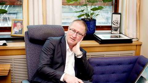 Stortingsrepresentant Geir Bekkevold (KrF) mener utenlandske spillselskaper har fått for stort spillerom og dermed tvunget Norsk Tipping til å øke premiepengene.