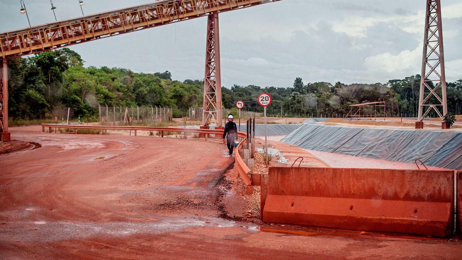 Hydro-skandalen blir altså brukt politisk. Det er én forklaring på hvorfor det går så galt for Hydro i Brasil nå. Men det er ingen unnskyldning. Her fra Alunorte, Hydros aluminiumsraffineri i Barcarena.