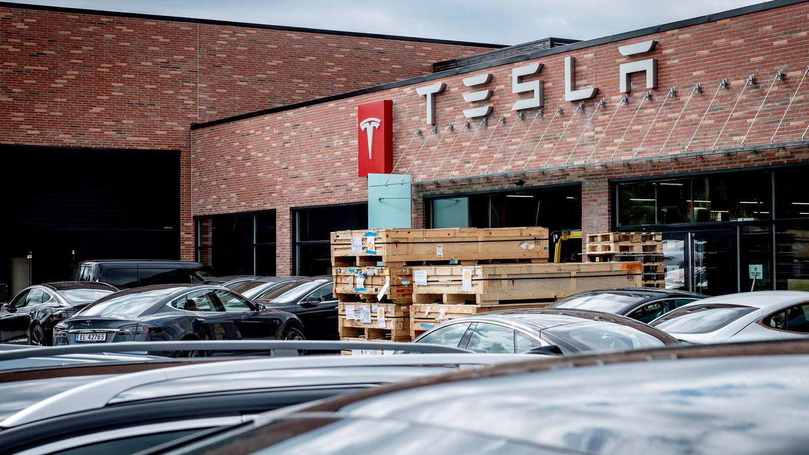 Tesla salg og service i Baker Østbysvei i Bærum.