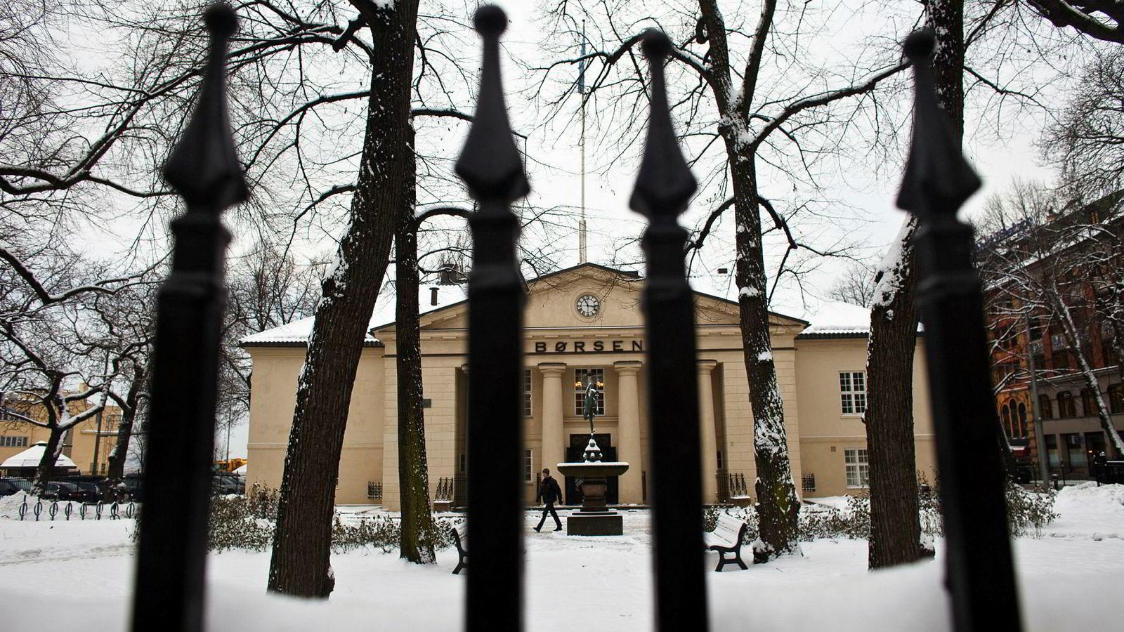 For å eie mer enn ti prosent av Oslo Børs må man ha godkjennelse fra finansminister Siv Jensen.