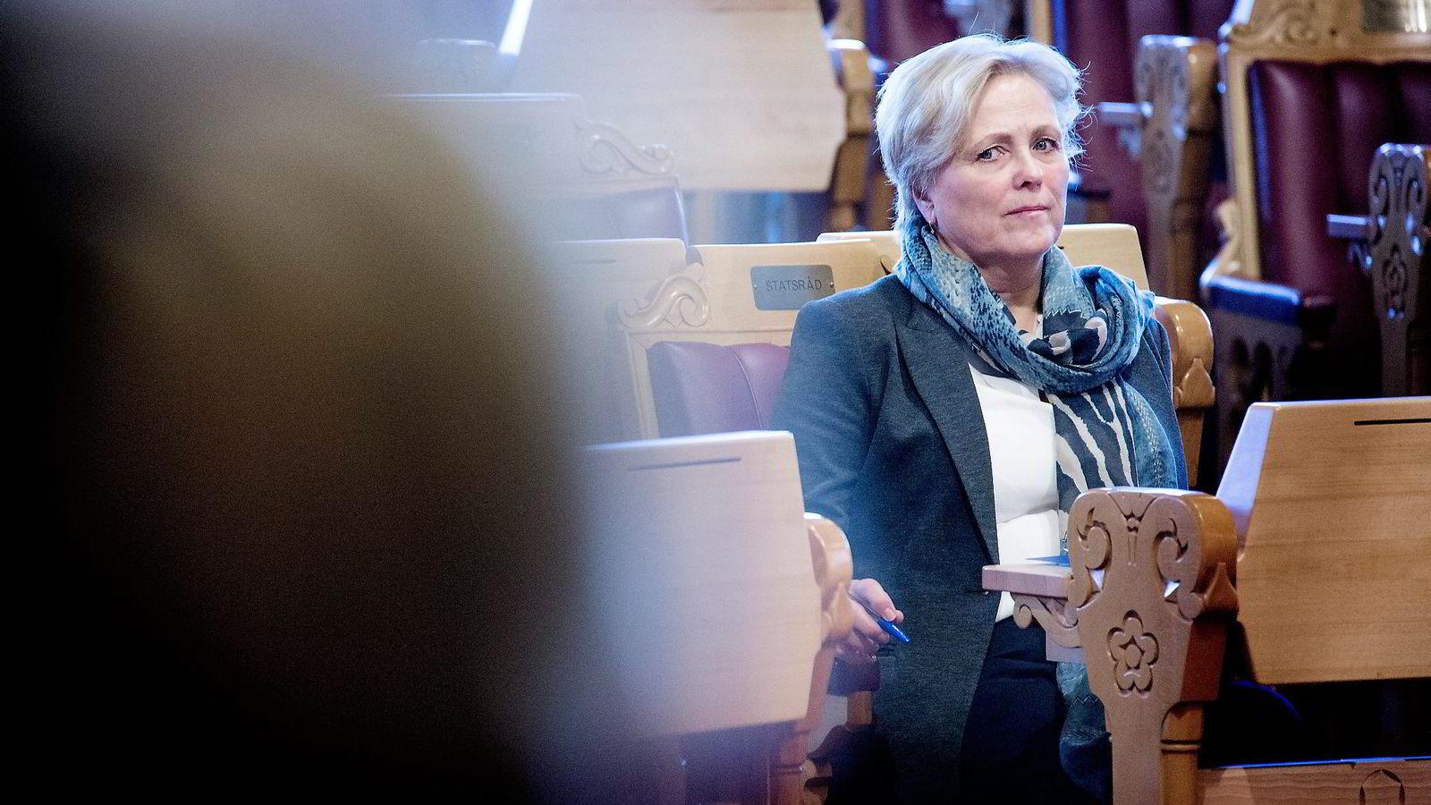 Kulturminister Thorhild Widwey setter fagbladene i bås med ukebladene. Den samme båssettingen bidrar også fagpressen selv til, skriver innleggsforfatteren. Foto: Ida von Hanno Bast