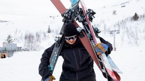 Hans Petter Hval og resten av Fri Flyt-redaksjonen tester hvert år over 100 par alpinski