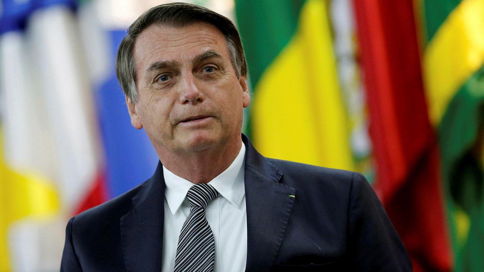 Brasils president Jair Bolsonaro takker nei til den økonomiske støtten fra G7-landene til å bekjempe brannene i regnskogen Amazonas.