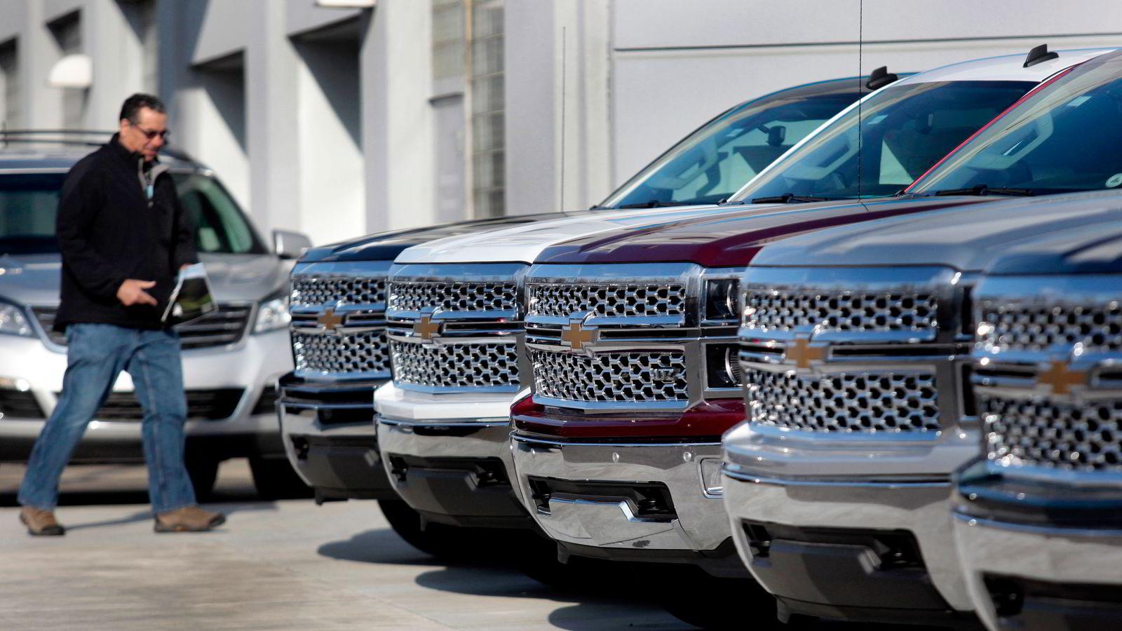 Lavere oljepriser gir økt etterspørsel etter de store, bensindrevne bilene. Salget av General Motors' suv-er doblet seg mot slutten av fjoråret. Foto: Rebecca Cook, Reuters/NTB Scanpix