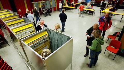Valgdeltagelsen ved årets kommune- og fylkestingsvalg var skremmende lav, under 60 prosent. Her fra Nordseter Skole. Foto: Heiki Junge,