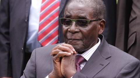 Avbildet er Zimbabwes president siden 1980, Robert Mugabe (92). Foto: AP Photo/Tsvangirayi Mukwazhi