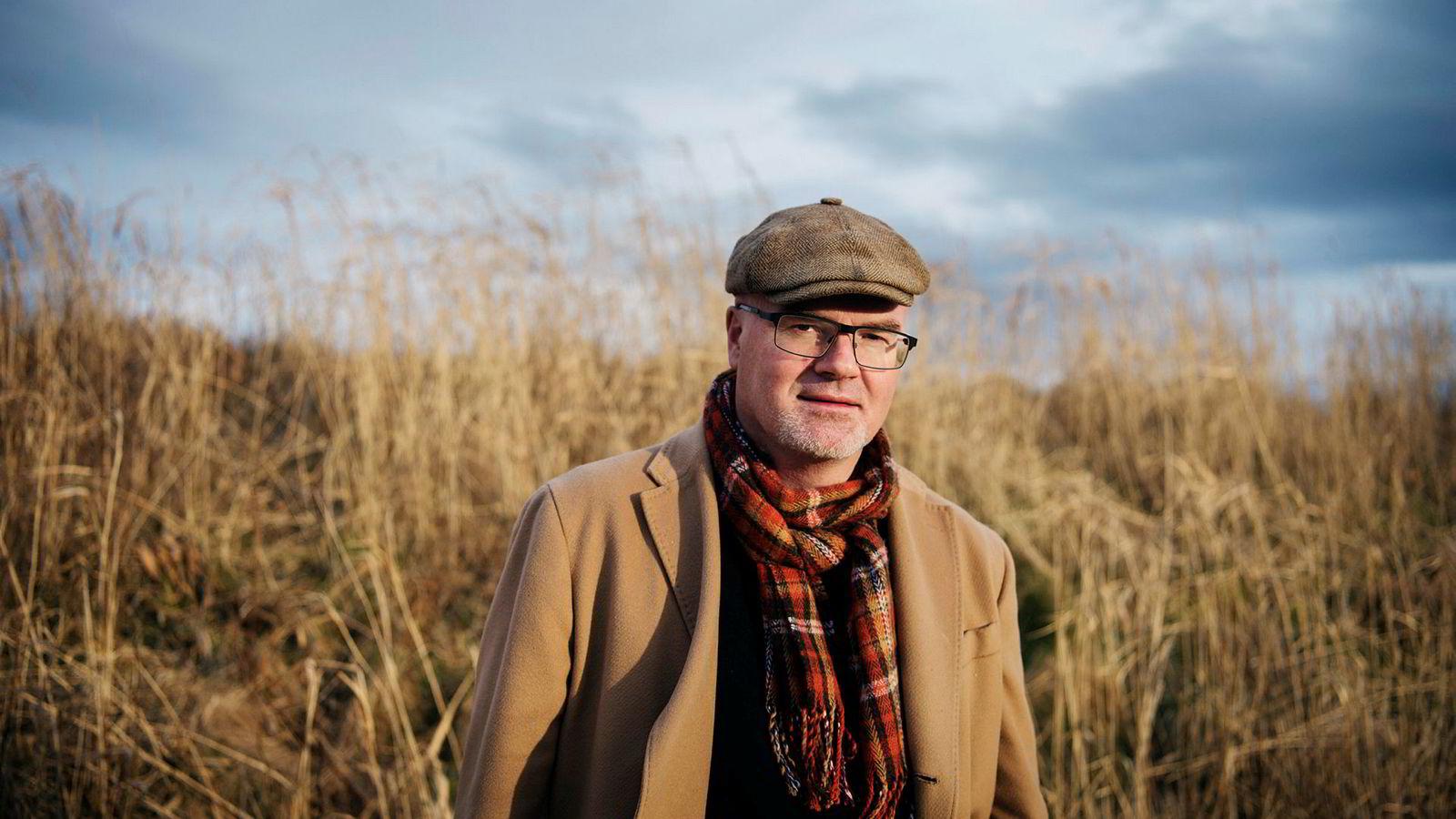 Tidligere UiS-professor Nils Rune Langeland mener han er usaklig oppsagt, og har gått til sak. Nå venter han på dommen.