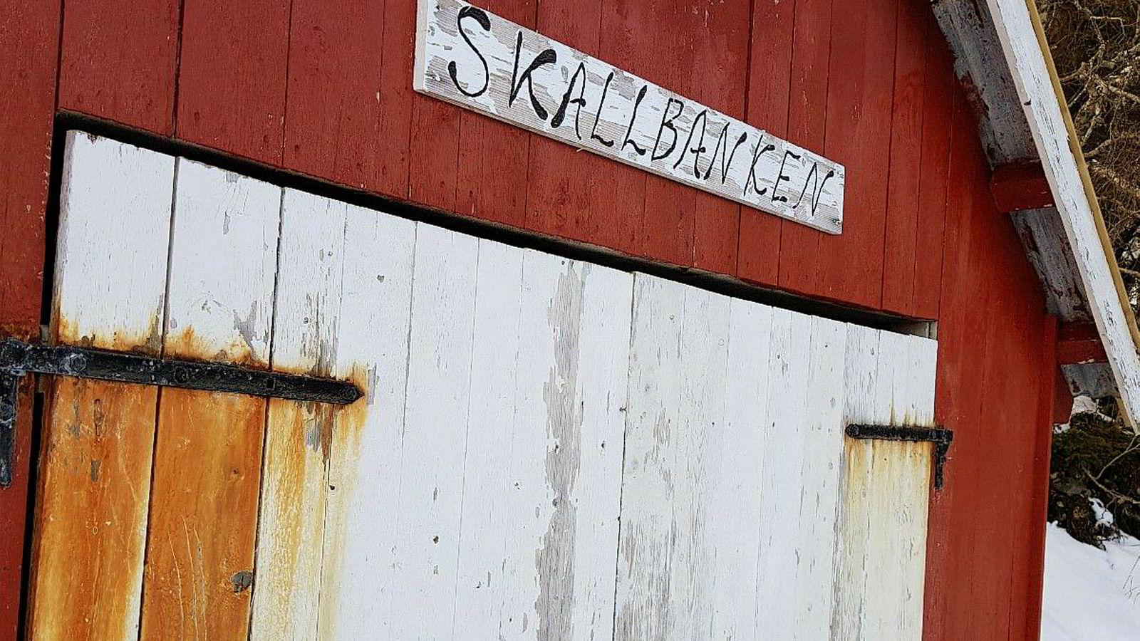 Denne sjøhytta seks mil utenfor Trondheim er den eneste som er rimeligere enn hytta Siv Jensen leier av Johan Andresen på Grimsøya i Bærum. Hytta har hverken innlagt vann eller kloakk.