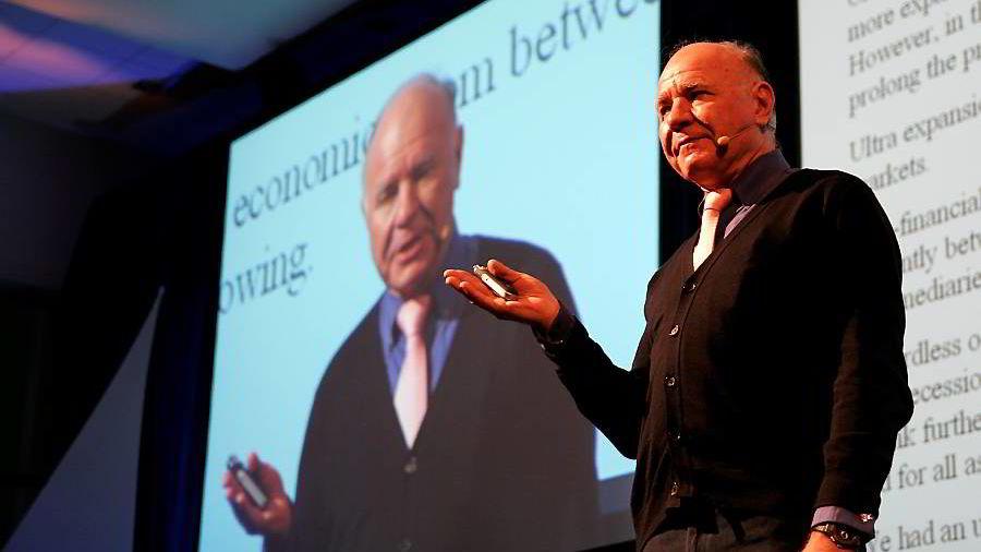 Dr. Doom, Marc Faber, mener verdsettelsen av amerikanske børsnoterte aksjer ikke bærekraftig. Her under et besøk i Norge i 2009. Foto: