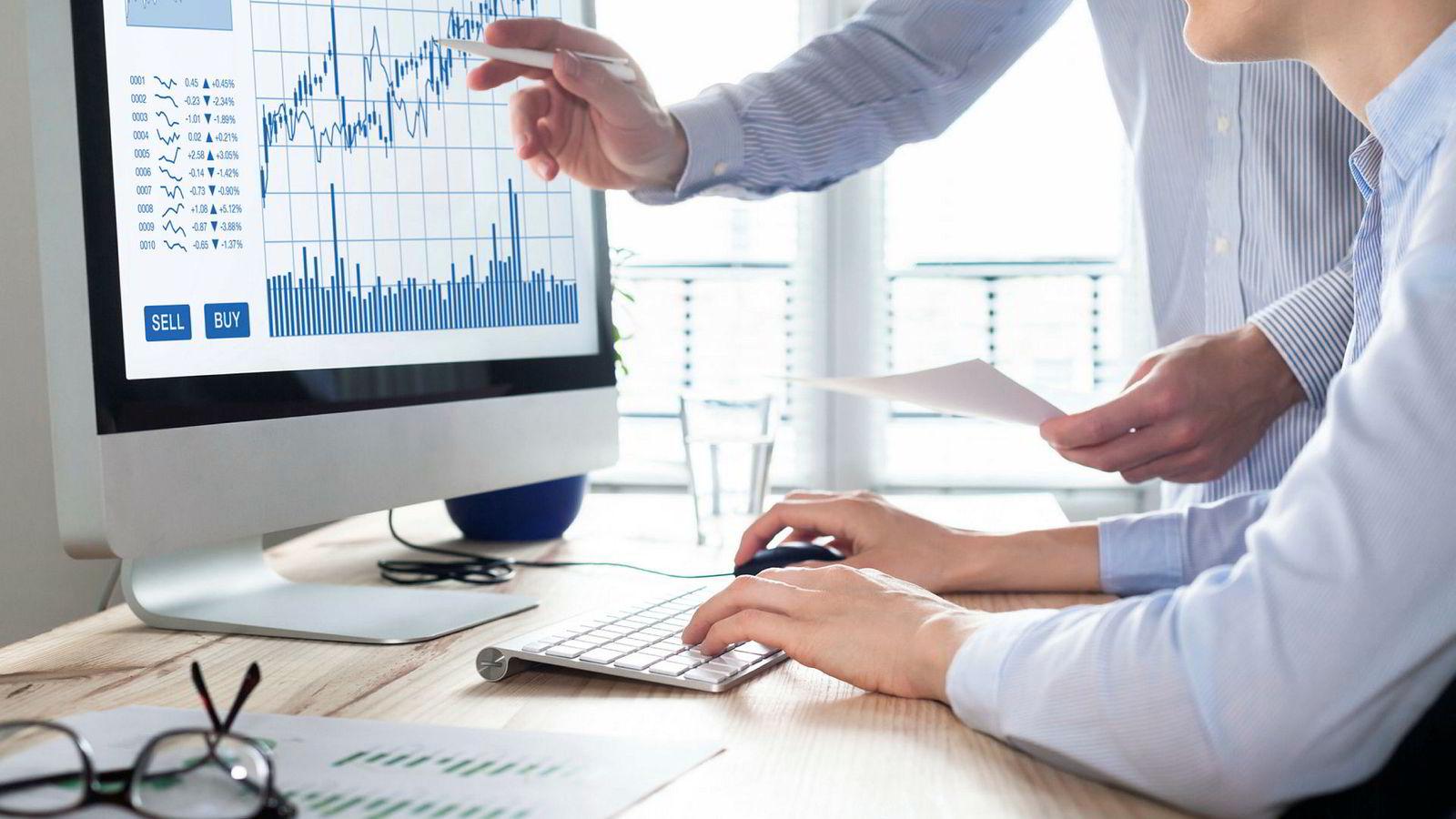 Hvordan kan ledere best manøvrere når flere beslutninger tas på bakgrunn av data og algoritmer i stedet for menneskelig erfaring og intuisjon?