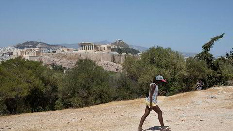 Parken Filopappos med utsikt til Akropolis. Mange unge grekere har forlatt Hellas for å finne arbeid de siste åtte årene.