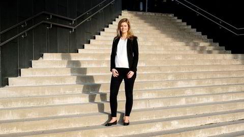 Henrikke Bryn Bakkerud (27) begynte å jobbe i EY etter bachelorgraden. To år senere gikk hun tilbake til skolebenken og tok en master i regnskap og revisjon. Foto: Mikaela Berg