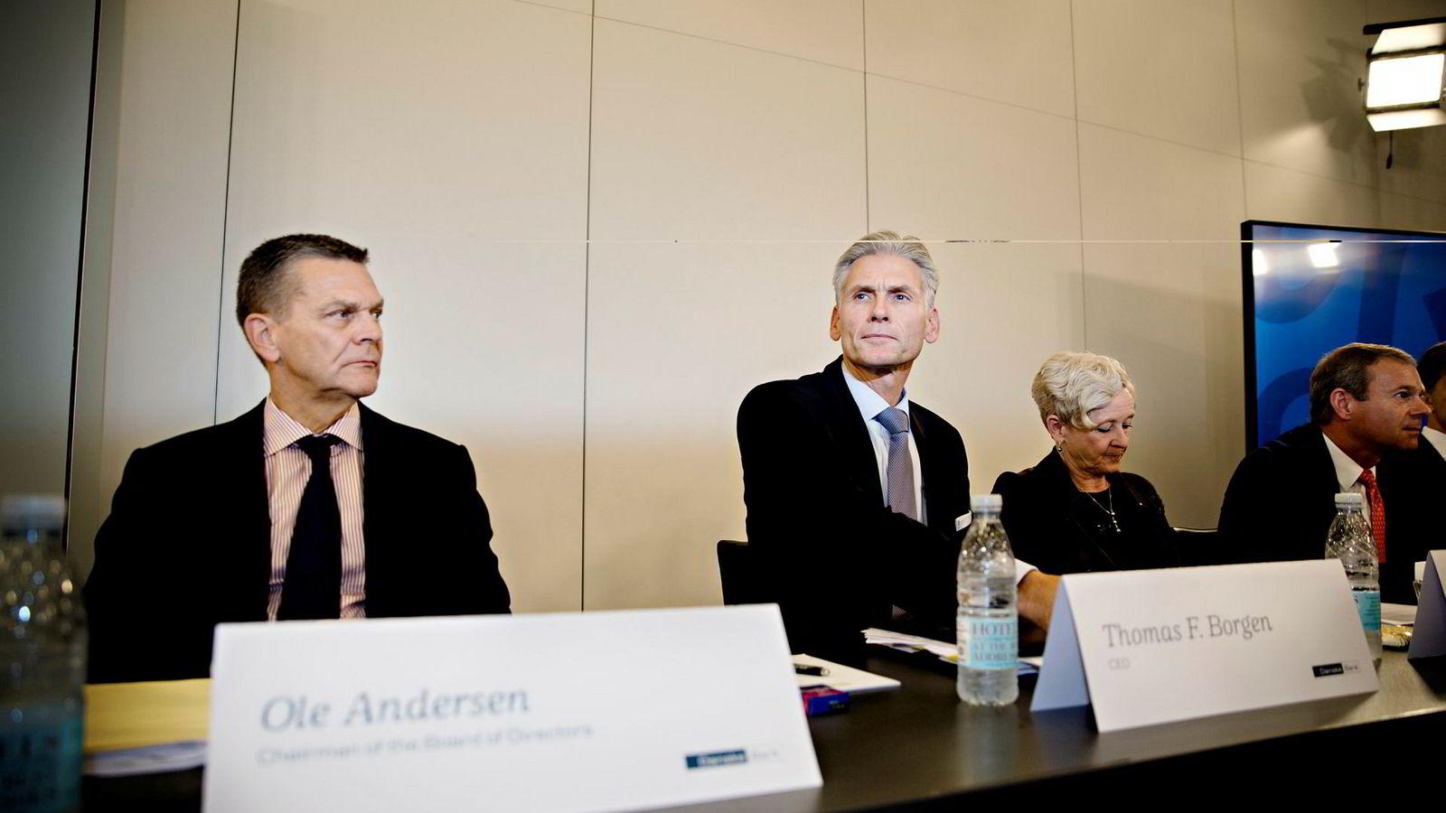 Tidligere styreleder Ole Andersen (til venstre) og tidligere toppsjef Thomas Borgen er begge blant de saksøkte.
