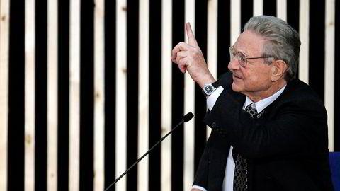 Finansguru George Soros, selv jødisk flyktning fra Ungarn under Annen verdenskrig, mener EU er på randen av kollaps. Foto: Armando Franca, AP/NTB Scanpix