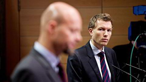 – Det er en ny sektor som vi for første gang begynte å se på i fjor, sier kommunikasjonssjef Thomas Sevang (til høyre) i Norges Bank Investment Management (NBIM) om Oljefondets Cannabis-investeringer. Her sammen med NBIM-sjef Yngve Slyngstad.