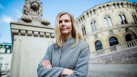 Aps Marianne Marthinsen vil vurdere å endre støtten til oljeindustrien.