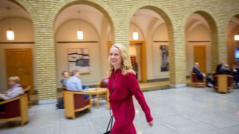 – For mange bransjer er det utfordrende å rekruttere folk, sier arbeidsminister Anniken Hauglie.