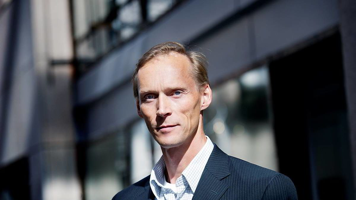 - De som går inn i arbeidslivet nå må se for seg en lengre yrkeskarriere enn de som har kommet et godt stykke ut i arbeidskarrieren, sier seniorøkonom Kyrre Aamdal.