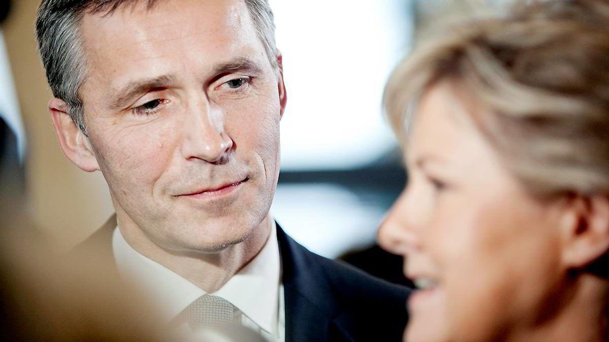 Jens Stoltenberg legger opp til å bruke mindre oljepenger i 2014.