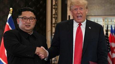 Nord-Koreas diktator og leder Kim Jong-un og USAs president Donald Trump fant tonen under det første toppmøtet i Singapore i 2018. Nå skal de møtes i Vietnam – et land som USA har fått et svært godt forhold til og blir sett på som en alliert i Asia.