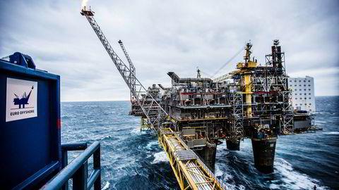 SSB la fredag frem nye tall for oljeselskapenes planlagte investeringer på sokkelen i år. Bildet er fra Oseberg feltsenter i Nordsjøen.